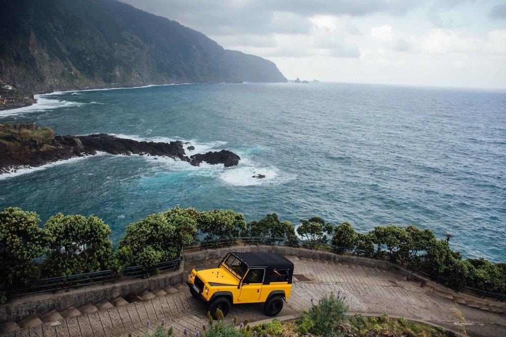Cool & Vintage Land Rover 7