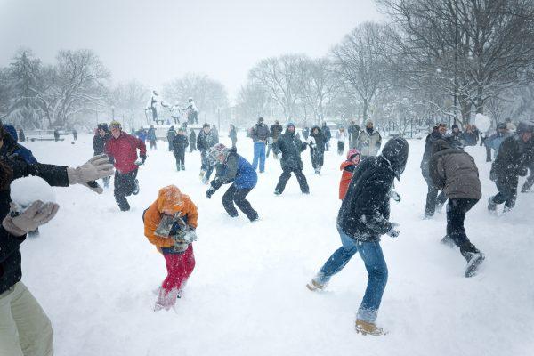 Sneeuwbal gevecht
