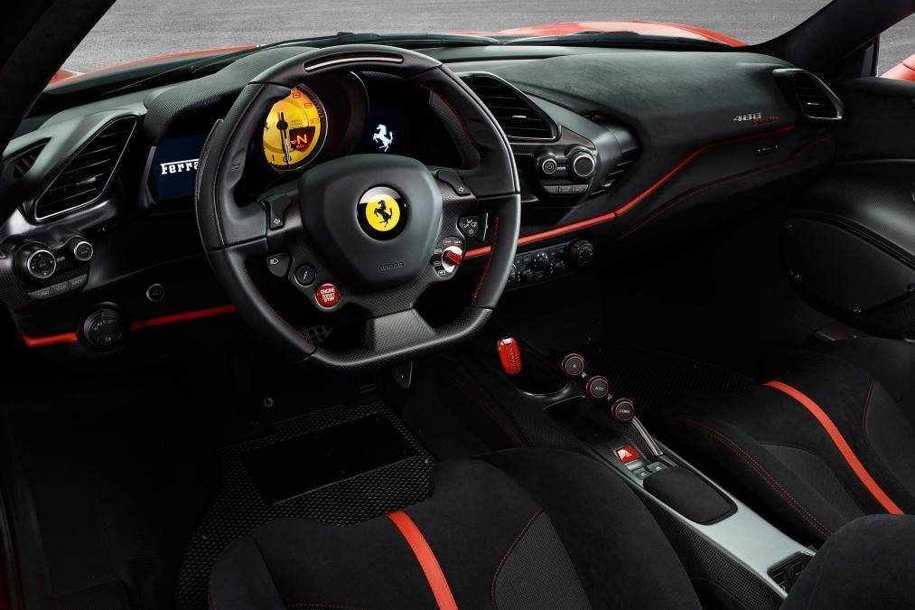 Ferrari 488 Pista 3