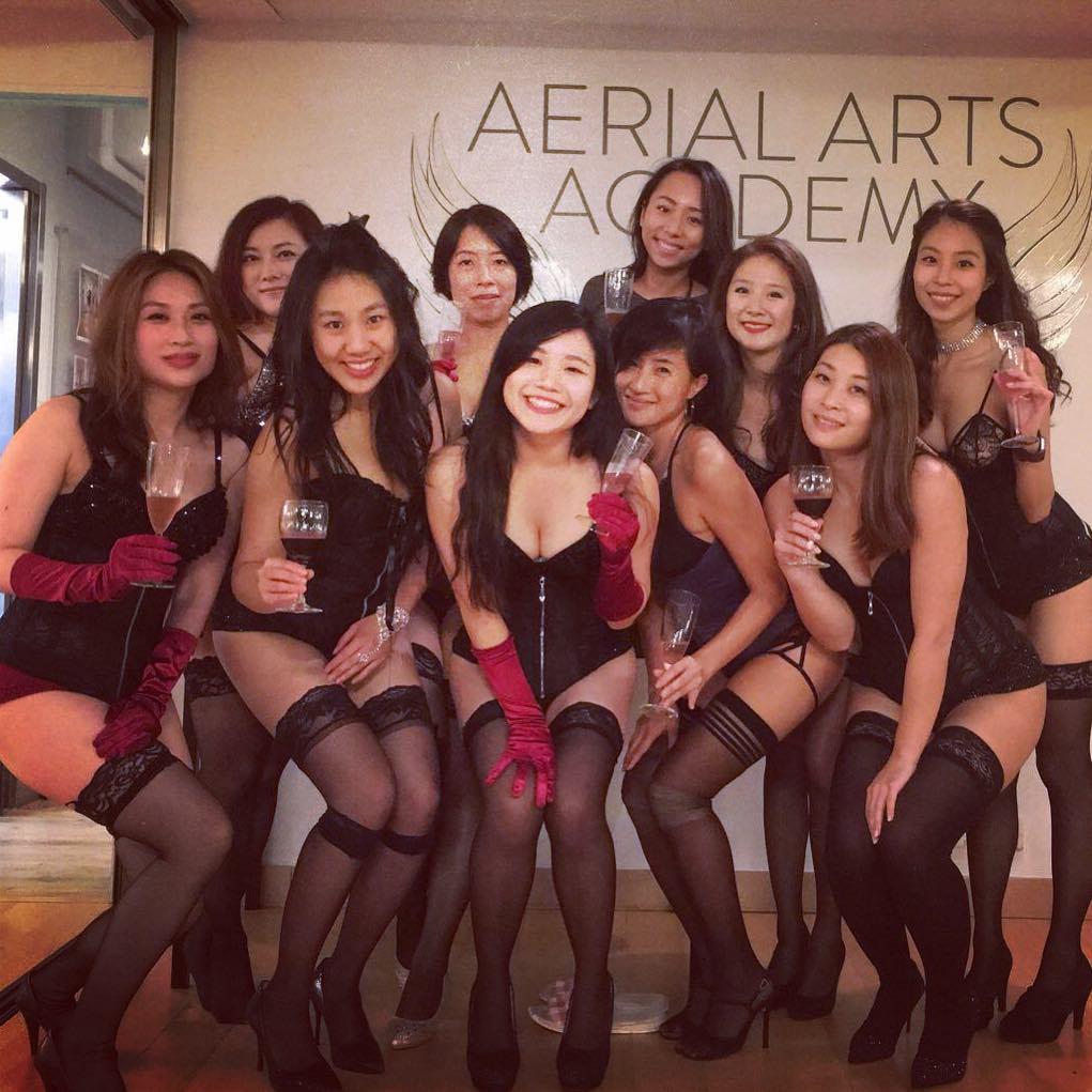 Striptease bij uitvaart