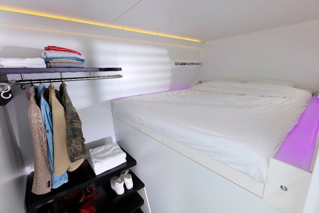 city hub  kingsize bed
