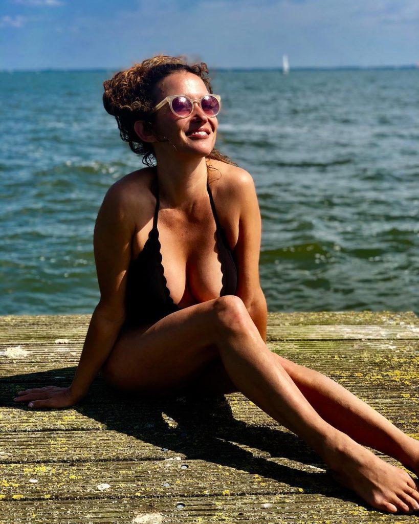 Katja Schuurman - Monday Manisfaction